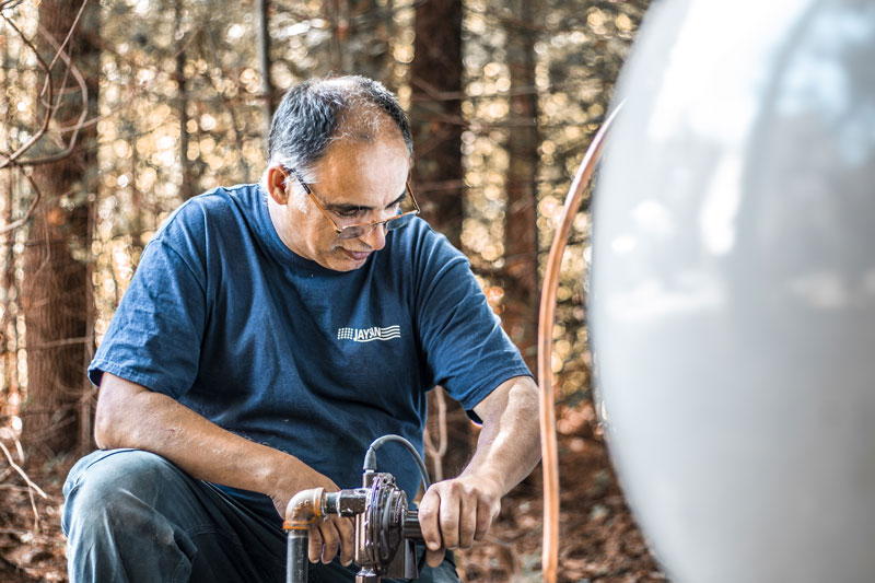 JaySan Gas Tech Working on Propane Tank